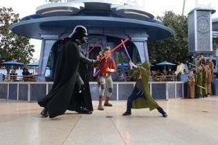 Padawan Burdon blocks Vader's attack